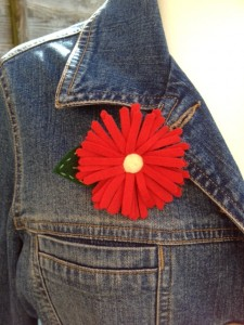 Re-made by Sam felt flower brooch