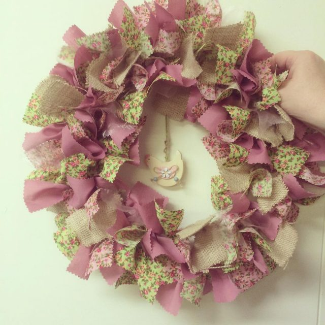 Green pink and hessian with a dangly chicken! Stunning! ragwreathhellip
