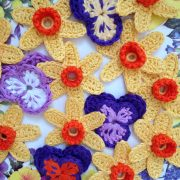 crochet your own spring flower brooch - re-made by sam