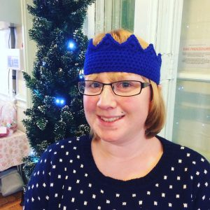 Crochet your own Christmas Cracker Crown