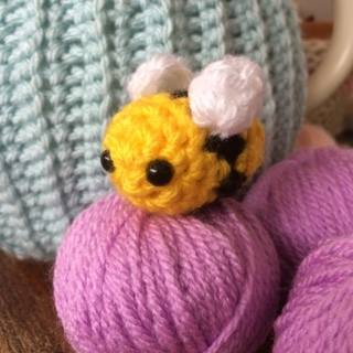 bee crochet kit