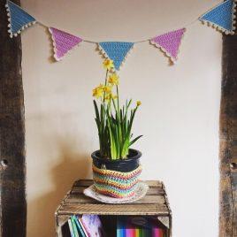 Kitsch crochet bunting