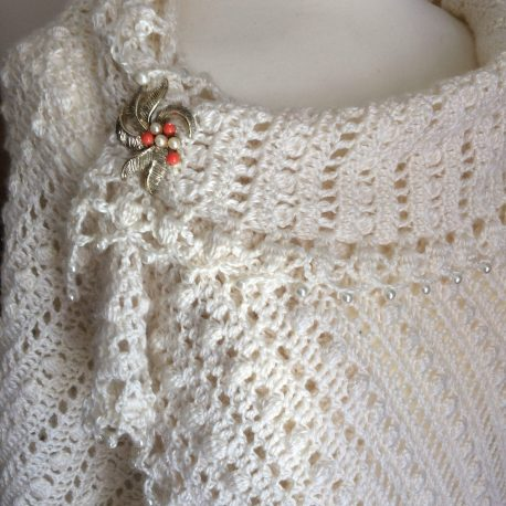 Summer wrap with brooch