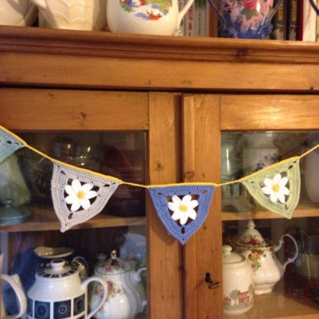 flower summer crochet bunting